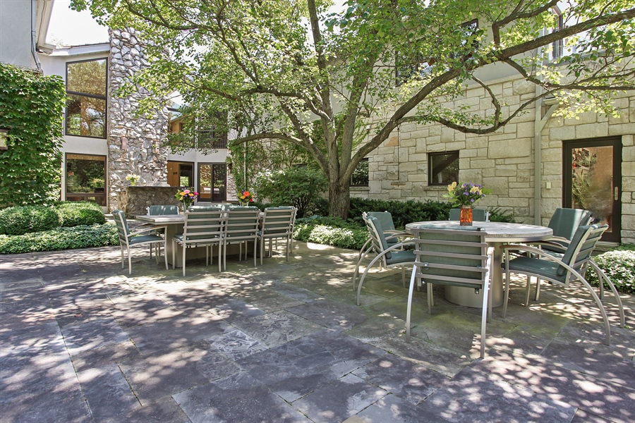 Real Estate Photography - 1780 Happ Rd, Northbrook, IL, 60062 - Terrace