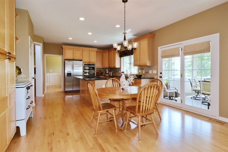 Real Estate Photography - 39W323 Sheldon Lane, Geneva, IL, 60134 - Kitchen / Breakfast Room
