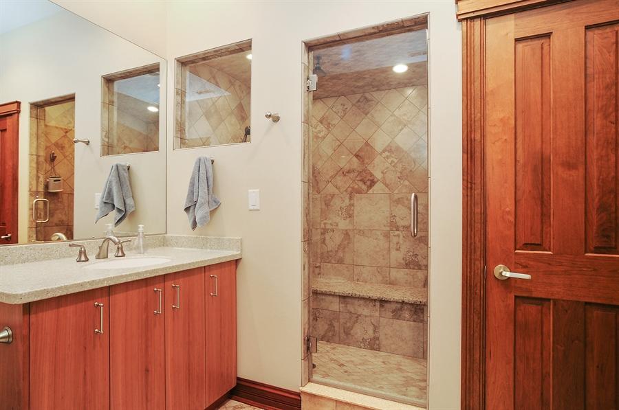 Real Estate Photography - 29567 N Gilmer Rd, Grayslake, IL, 60030 - Bathroom