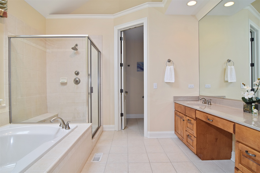 Real Estate Photography - 38W380 Heritage Oak, St Charles, IL, 60175 - Master Bathroom