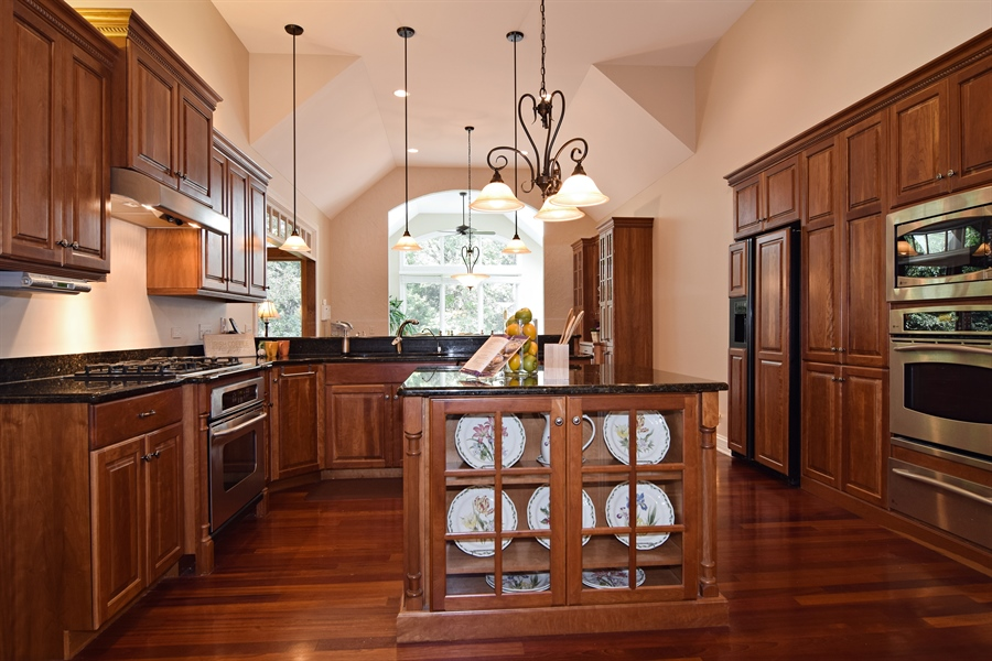 Real Estate Photography - 38W380 Heritage Oak, St Charles, IL, 60175 - Kitchen