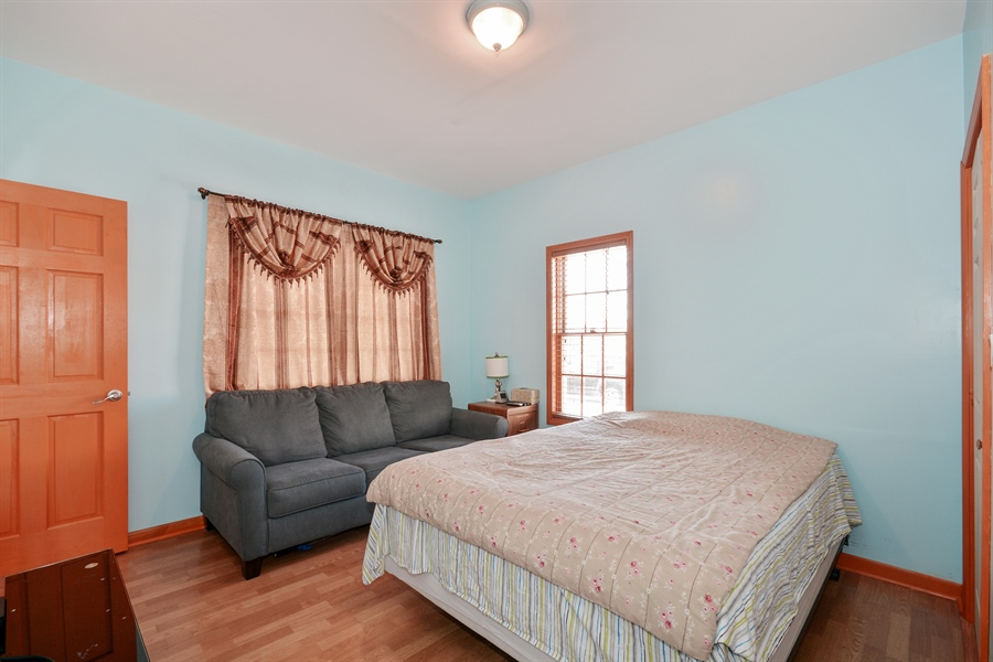 Real Estate Photography - 115 E North Ave, Elmhurst, IL, 60126 - 2nd Bedroom