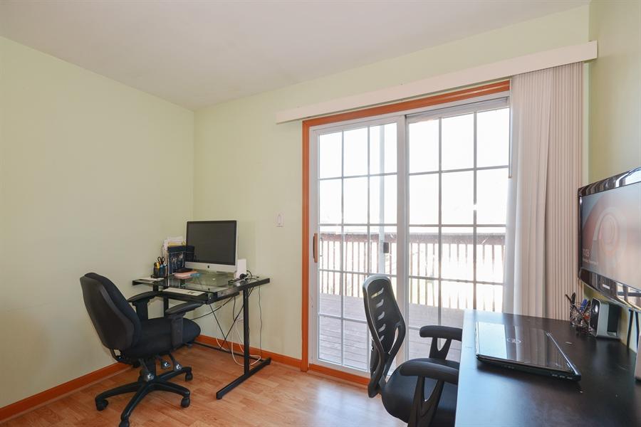 Real Estate Photography - 115 E North Ave, Elmhurst, IL, 60126 - Loft