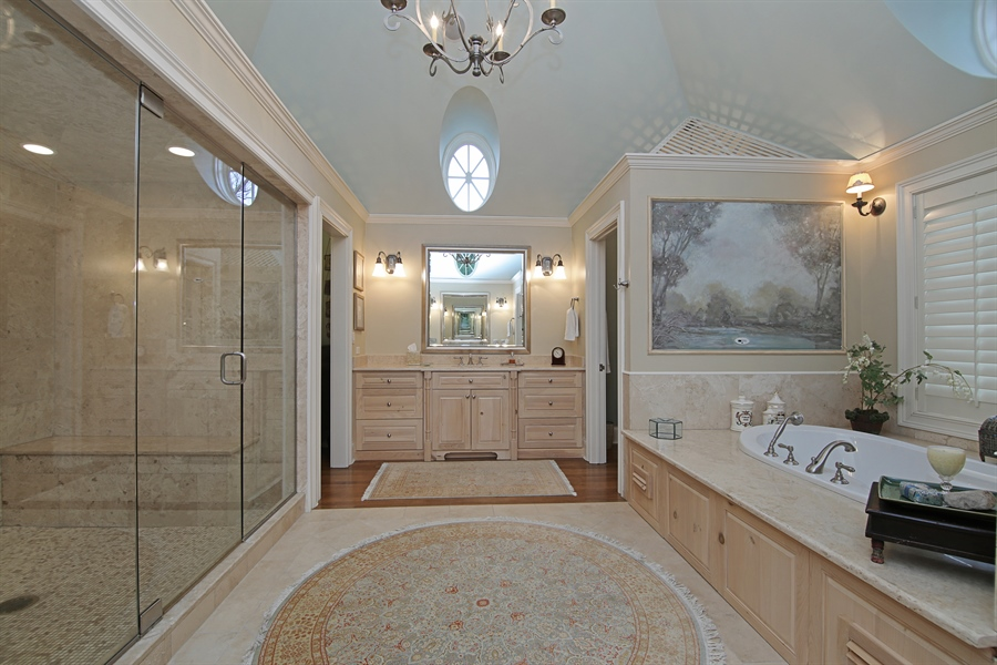 Real Estate Photography - 143 Cary, Highland Park, IL, 60035 - Master Bathroom