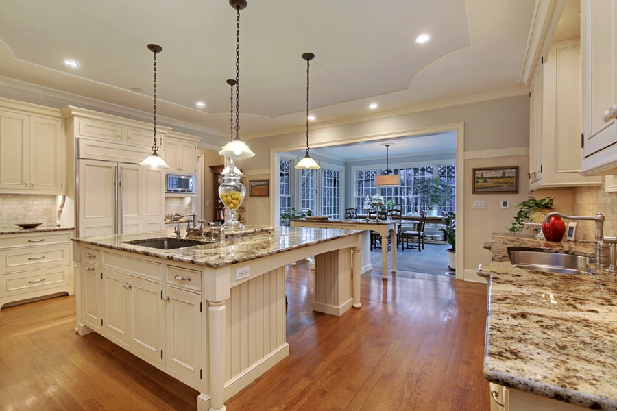 Real Estate Photography - 143 Cary, Highland Park, IL, 60035 - Kitchen / Breakfast Room