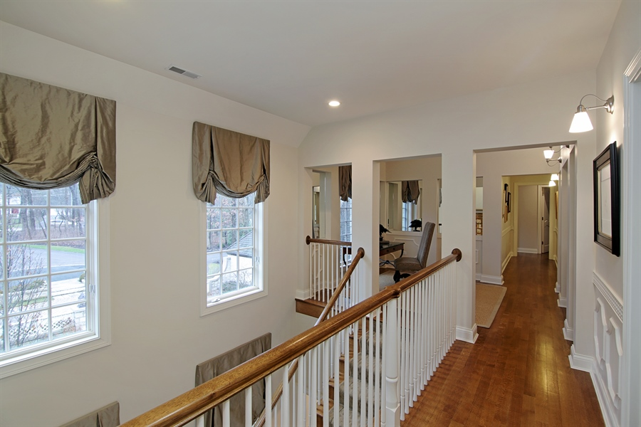 Real Estate Photography - 143 Cary, Highland Park, IL, 60035 - Hallway