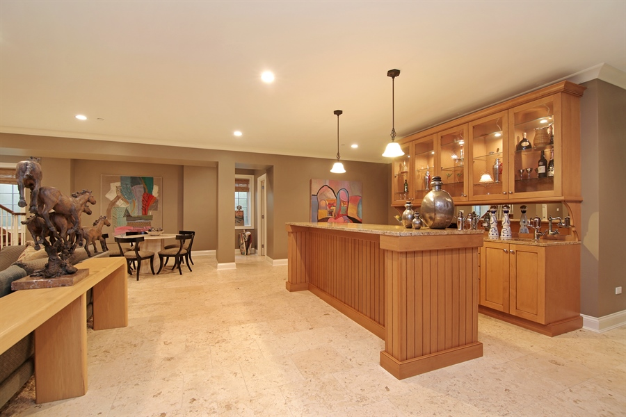 Real Estate Photography - 143 Cary, Highland Park, IL, 60035 - Bar
