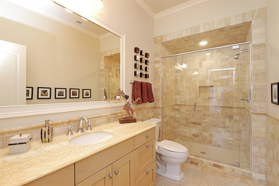 Real Estate Photography - 143 Cary, Highland Park, IL, 60035 - Bathroom
