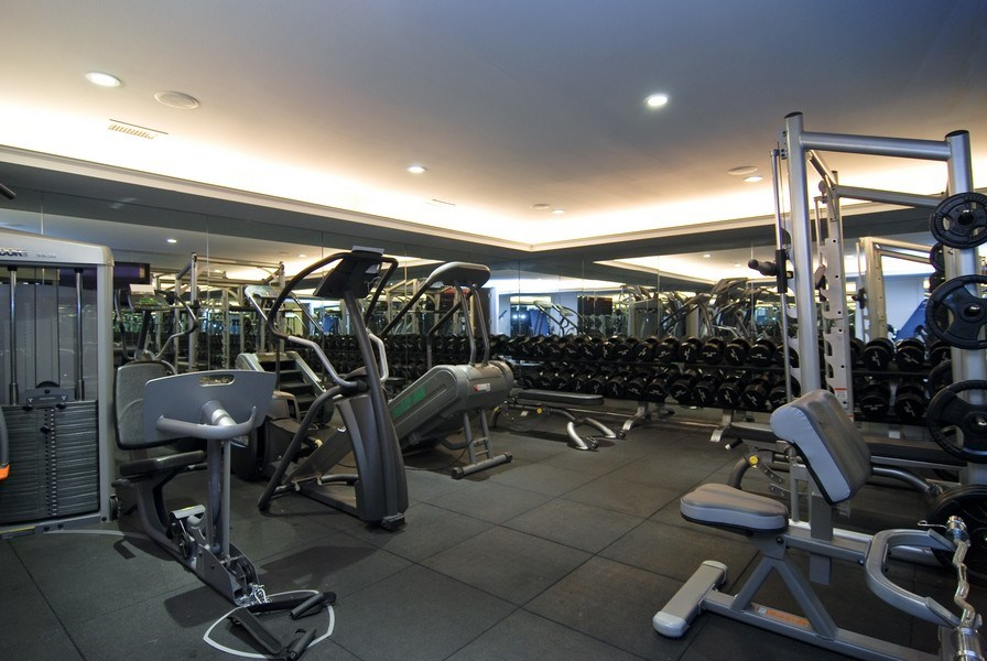 Real Estate Photography - 654 W Hutchinson, Chicago, IL, 60613 - Gym