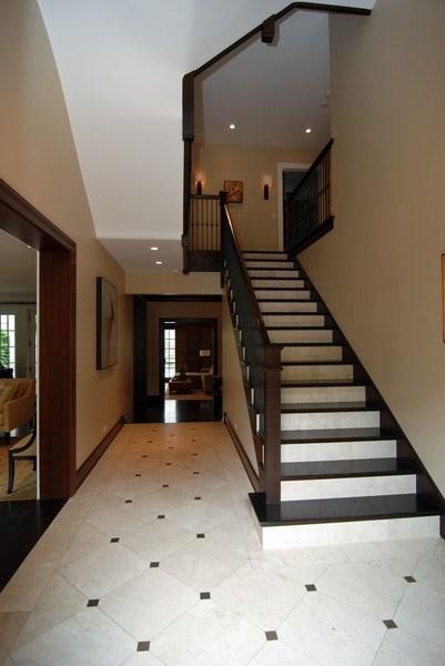Real Estate Photography - 654 W Hutchinson, Chicago, IL, 60613 - Foyer