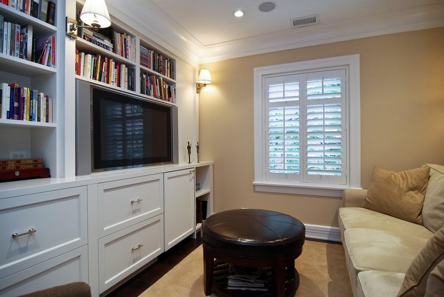 Real Estate Photography - 654 W Hutchinson, Chicago, IL, 60613 - Den