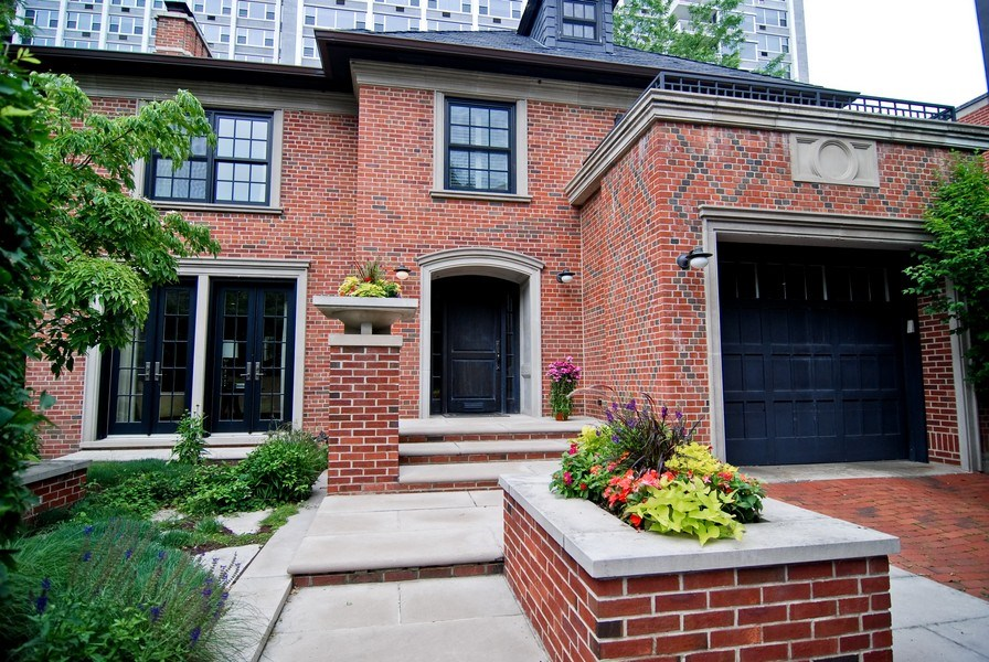 Real Estate Photography - 654 W Hutchinson, Chicago, IL, 60613 - Front View