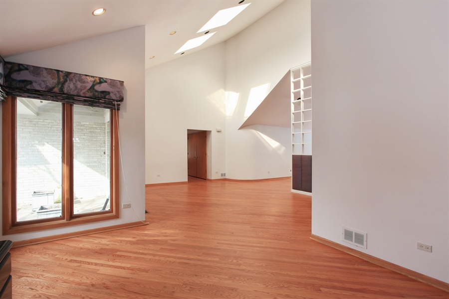 Real Estate Photography - 1885 Keats, Highland Park, IL, 60035 - Foyer/Dining Room