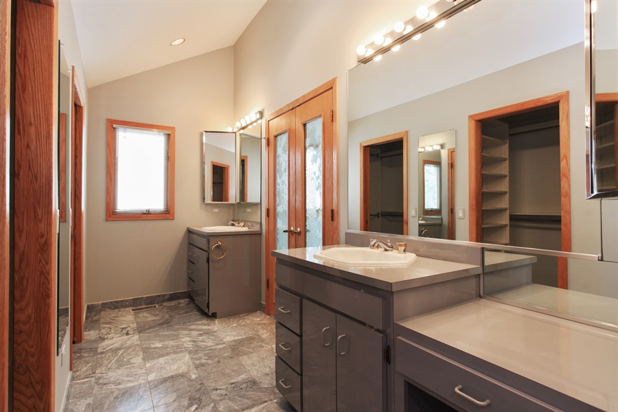 Real Estate Photography - 1885 Keats, Highland Park, IL, 60035 - Master Bathroom
