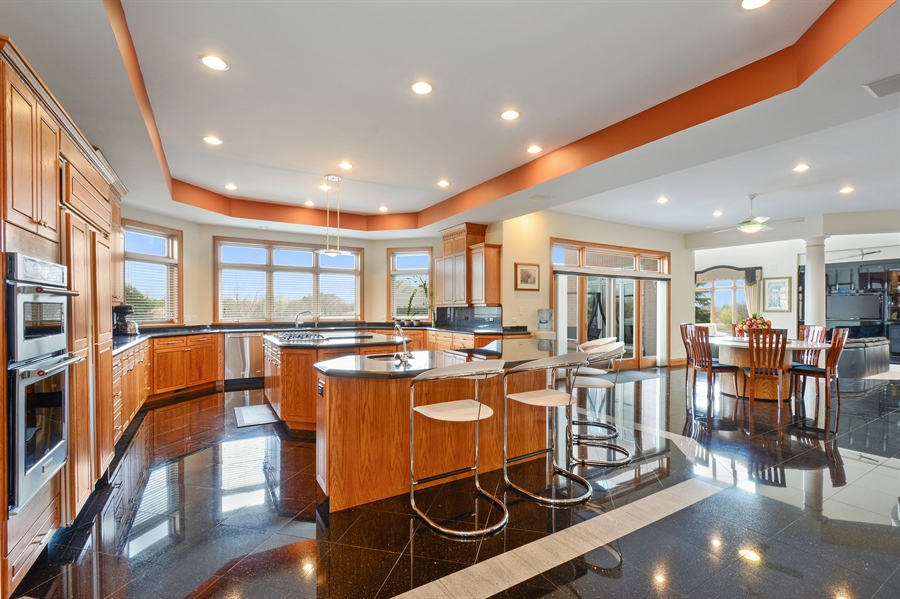 Real Estate Photography - 26 Star Lane, South Barrington, IL, 60010 - Kitchen / Breakfast Room