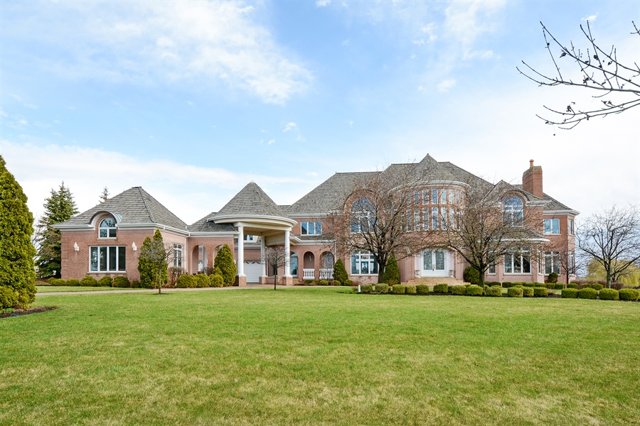 Real Estate Photography - 26 Star Lane, South Barrington, IL, 60010 - Front View