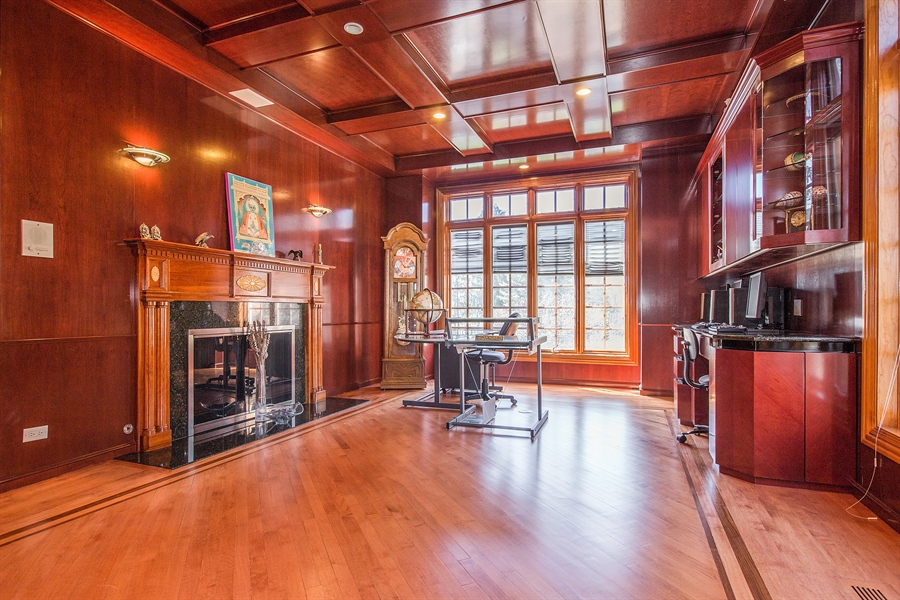 Real Estate Photography - 37 Polo Drive, South Barrington, IL, 60010 - Office