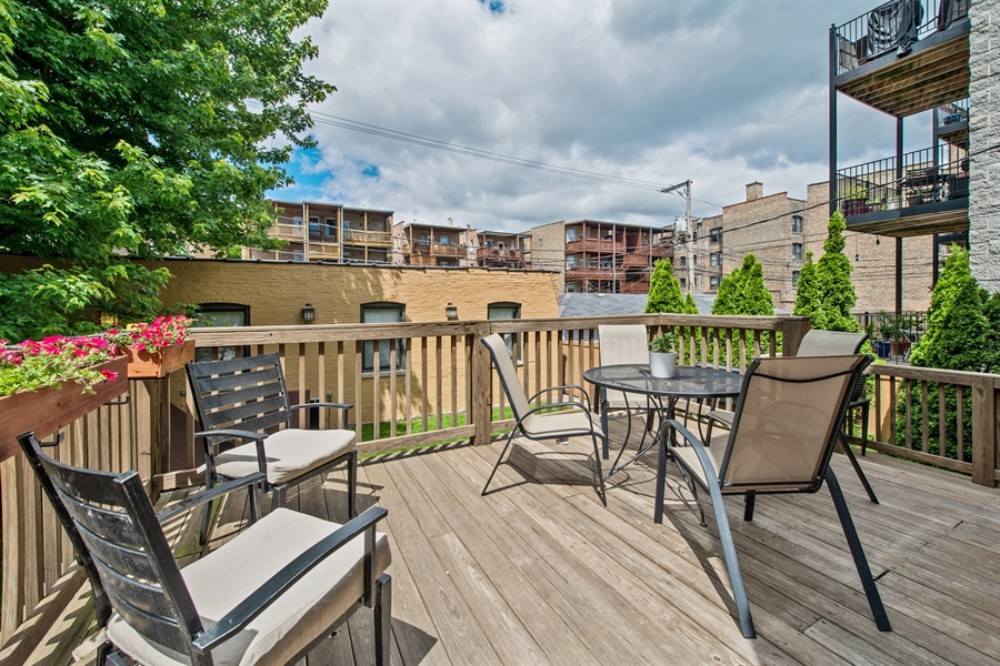 Real Estate Photography - 4722 N Malden St, Chicago, IL, 60640 - Deck