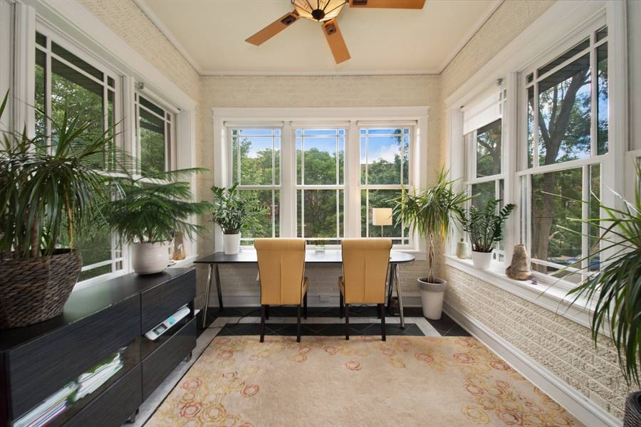 Real Estate Photography - 4722 N Malden St, Chicago, IL, 60640 - Sun Room