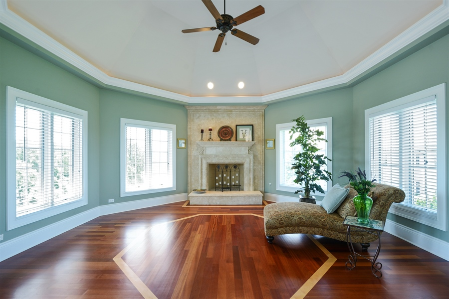 Real Estate Photography - 4 Cutters Run, South Barrington, IL, 60010 - Sitting Room