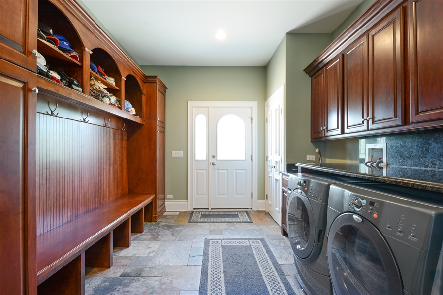 Real Estate Photography - 4 Cutters Run, South Barrington, IL, 60010 - Laundry Room
