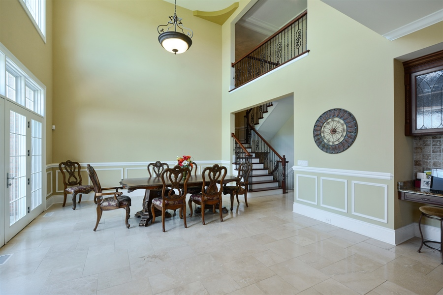 Real Estate Photography - 4 Cutters Run, South Barrington, IL, 60010 - Breakfast Nook