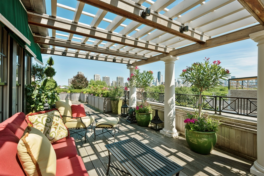 Real Estate Photography - 1841 N Orchard Street, Chicago, IL, 60614 - Roof Deck Pergola