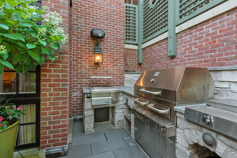 Real Estate Photography - 1841 N Orchard Street, Chicago, IL, 60614 - Outdoor Kitchen Main Level