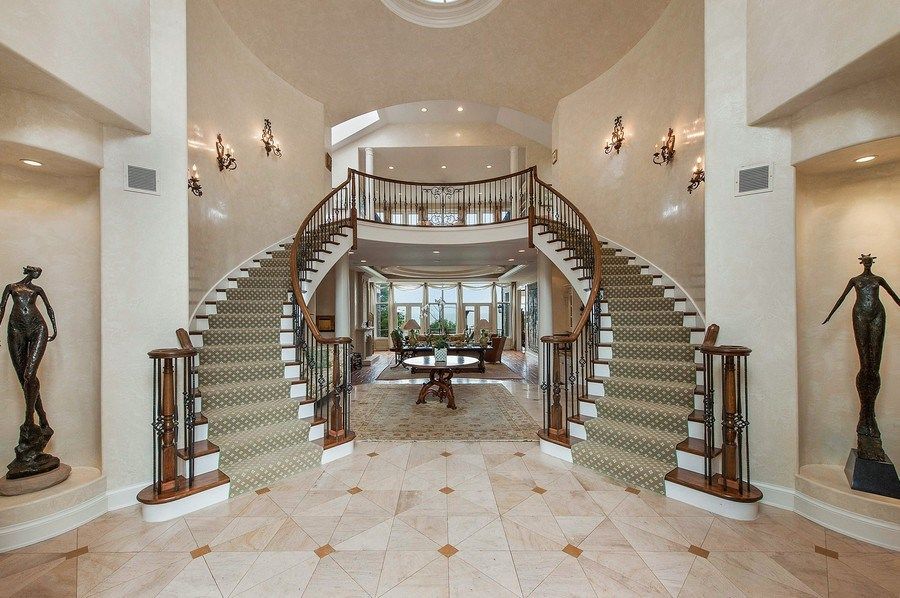 Real Estate Photography - 1215 Whitebridge Hill Ln, Winnetka, IL, 60093 - Foyer