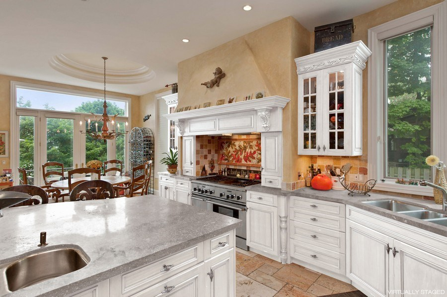 Real Estate Photography - 1215 Whitebridge Hill Ln, Winnetka, IL, 60093 - Kitchen