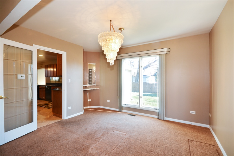 Real Estate Photography - 1N287 Papworth St, Carol Stream, IL, 60188 - Dining Room
