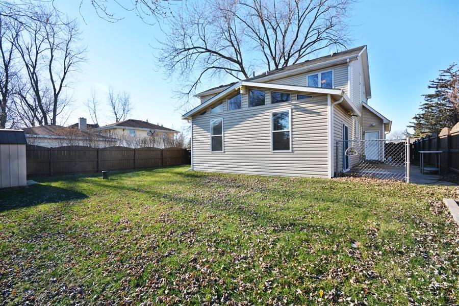 Real Estate Photography - 1N287 Papworth St, Carol Stream, IL, 60188 - Back Yard
