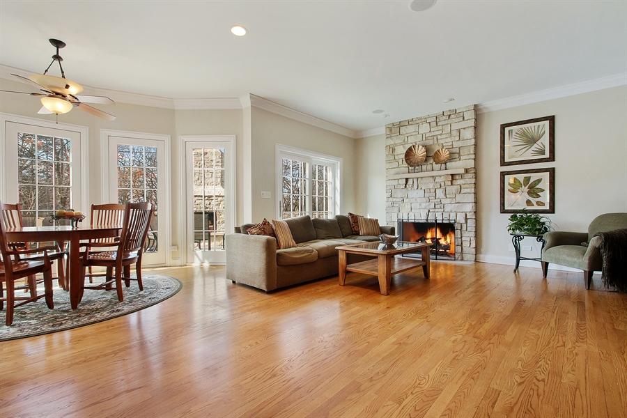 Real Estate Photography - 930 N. Glenayre Dr., Glenview, IL, 60025 - Living Room