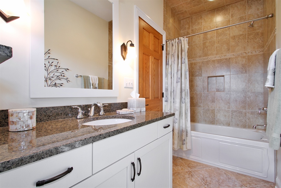 Real Estate Photography - 930 N. Glenayre Dr., Glenview, IL, 60025 - 3rd Bathroom