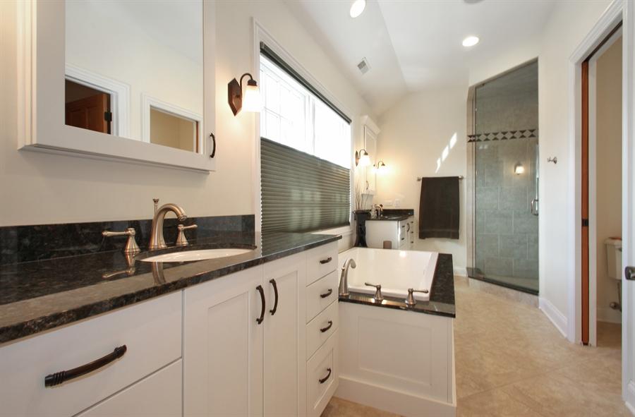 Real Estate Photography - 930 N. Glenayre Dr., Glenview, IL, 60025 - Master Bathroom