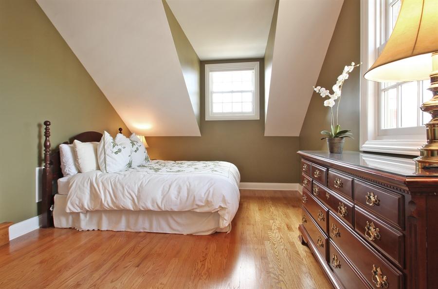Real Estate Photography - 930 N. Glenayre Dr., Glenview, IL, 60025 - 3rd Bedroom