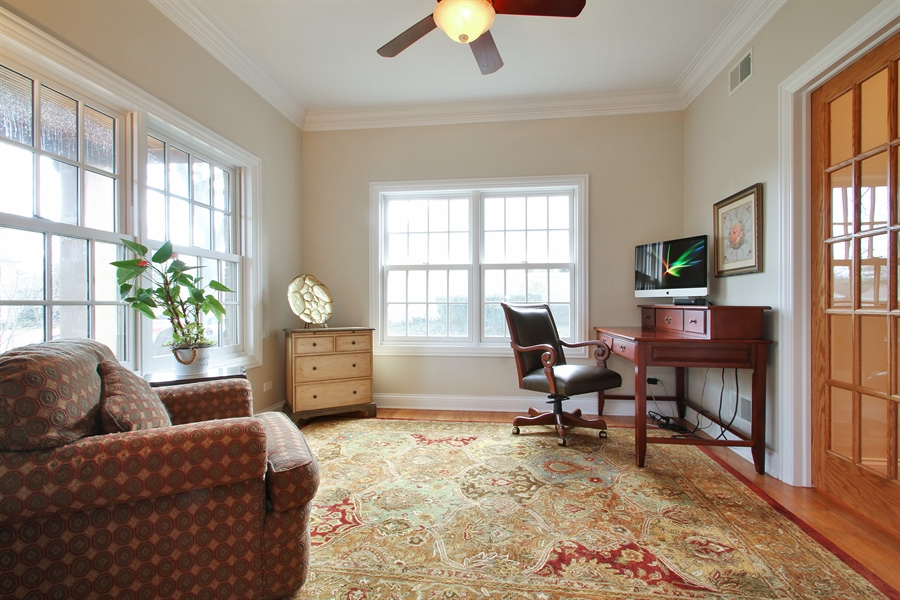 Real Estate Photography - 930 N. Glenayre Dr., Glenview, IL, 60025 - Family Room