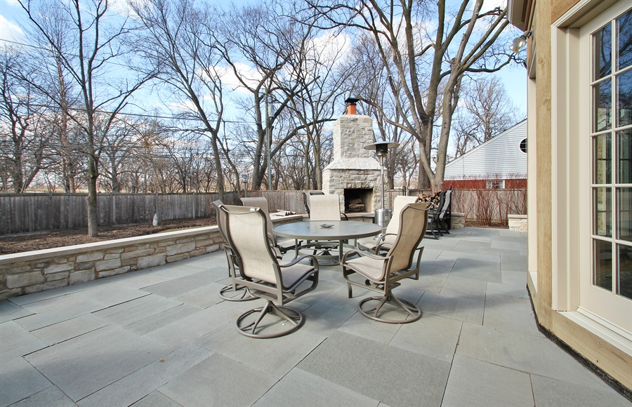 Real Estate Photography - 930 N. Glenayre Dr., Glenview, IL, 60025 - Patio