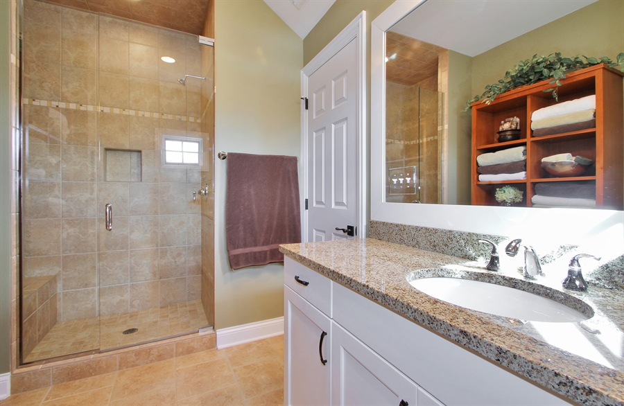 Real Estate Photography - 930 N. Glenayre Dr., Glenview, IL, 60025 - 2nd Bathroom