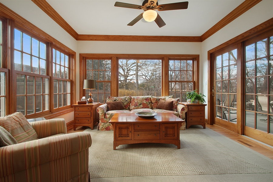 Real Estate Photography - 930 N. Glenayre Dr., Glenview, IL, 60025 - Sun Room