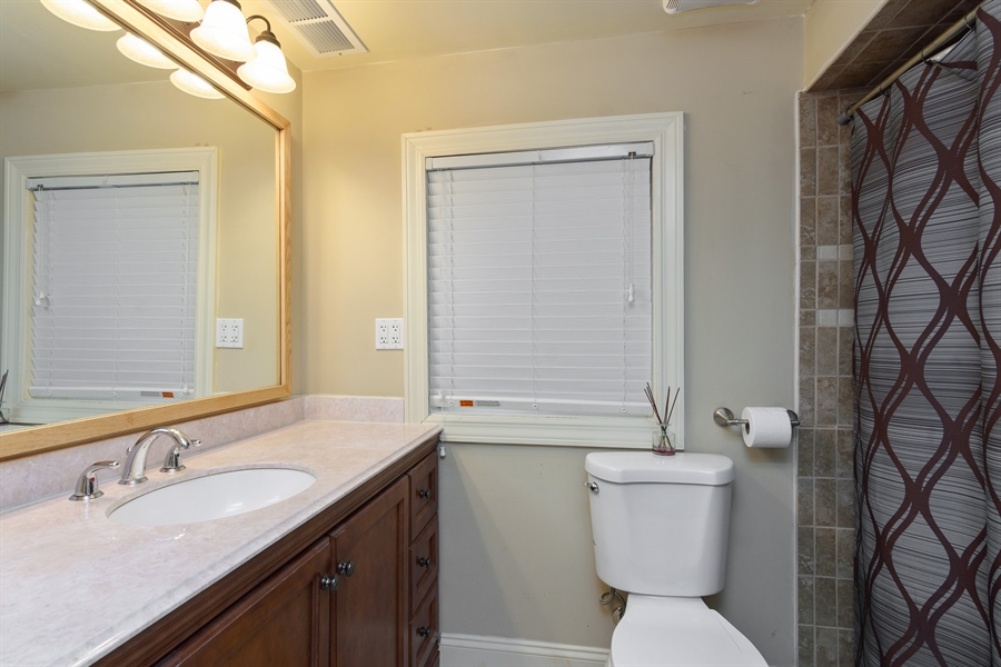 Real Estate Photography - 720 Foxmoore, Lake Zurich, IL, 60047 - 3rd Bathroom