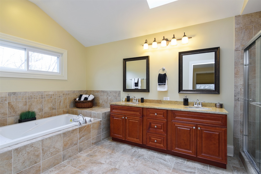 Real Estate Photography - 720 Foxmoore, Lake Zurich, IL, 60047 - Master Bathroom