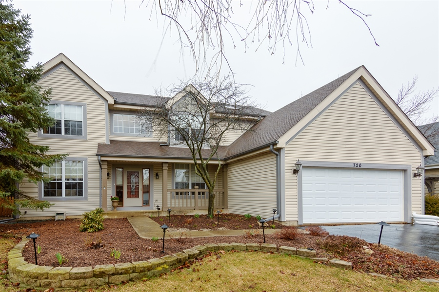 Real Estate Photography - 720 Foxmoore, Lake Zurich, IL, 60047 - Front View