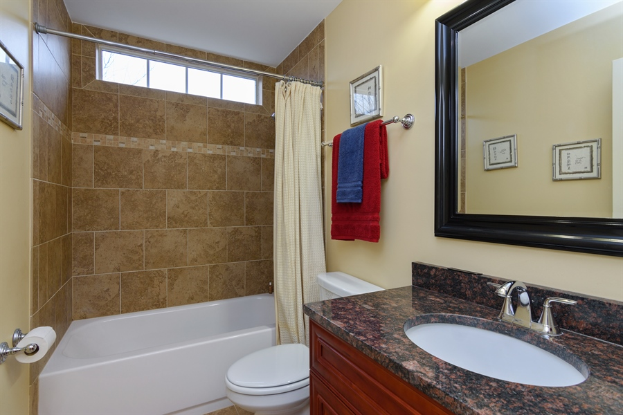 Real Estate Photography - 720 Foxmoore, Lake Zurich, IL, 60047 - 2nd Bathroom