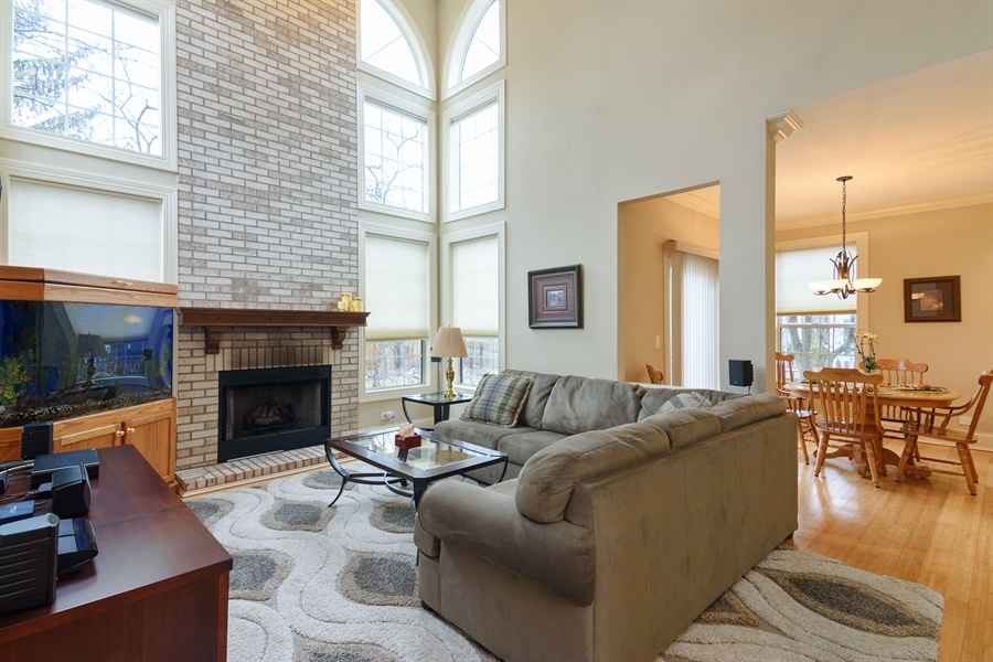 Real Estate Photography - 720 Foxmoore, Lake Zurich, IL, 60047 - Family Room / Kitchen