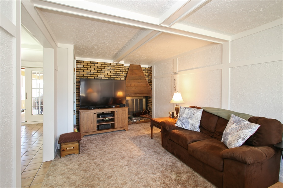 Real Estate Photography - 1938 Vermont, Rolling Meadows, IL, 60008 - Family Room