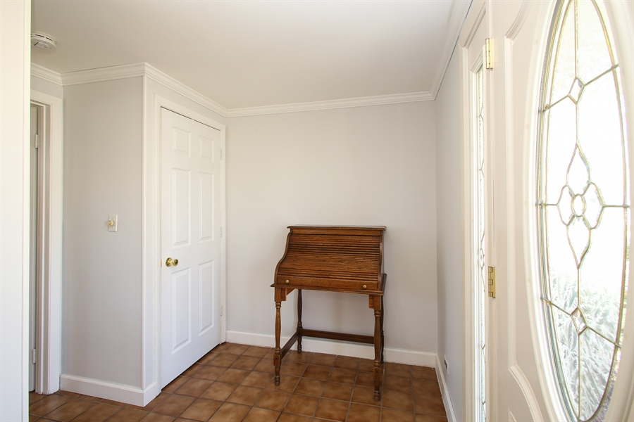 Real Estate Photography - 1938 Vermont, Rolling Meadows, IL, 60008 - Foyer