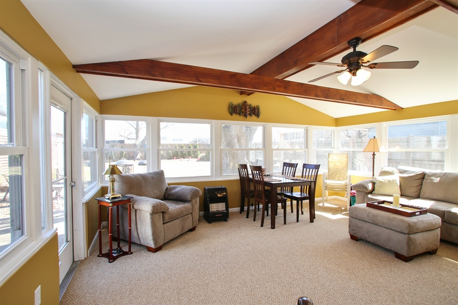 Real Estate Photography - 1938 Vermont, Rolling Meadows, IL, 60008 - Sun Room