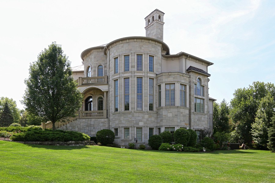 Real Estate Photography - 1512 MIDWEST CLUB, OAK BROOK, IL, 60523 - Side View