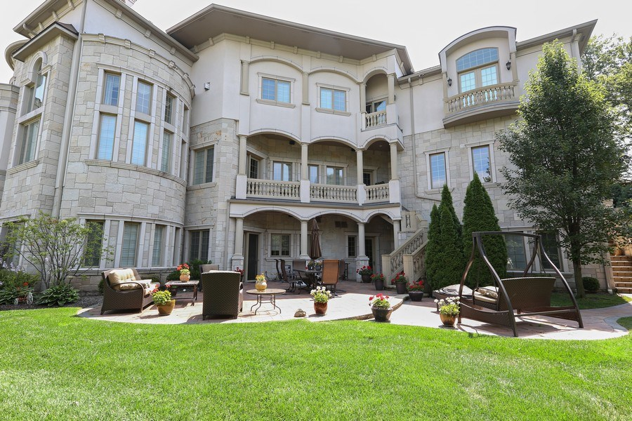 Real Estate Photography - 1512 MIDWEST CLUB, OAK BROOK, IL, 60523 - Rear View